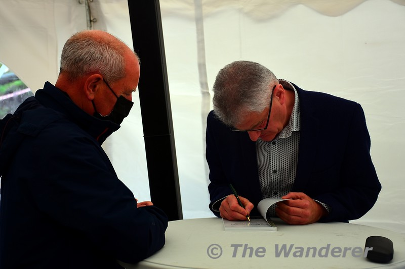 After the launch, people could purchase a copy of the new book and Jonathan's other titles and have them signed by the author. Sat 18.09.21
