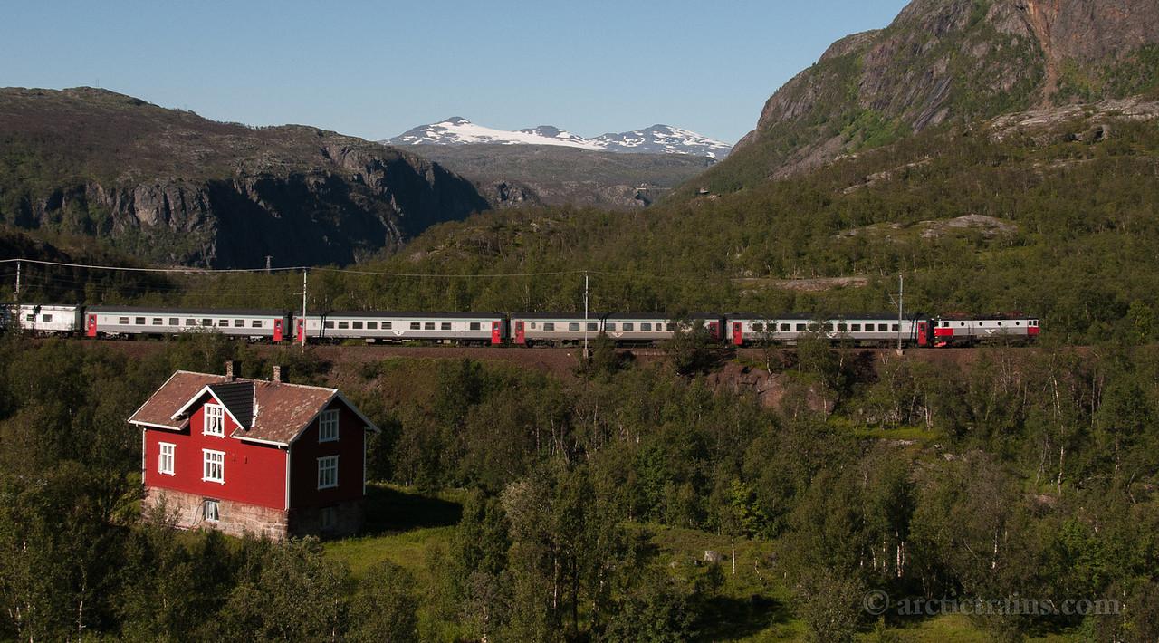 SJ Rc6 Tog 93 Sørdalen Katterat st. east  2012-08-13 15:57
