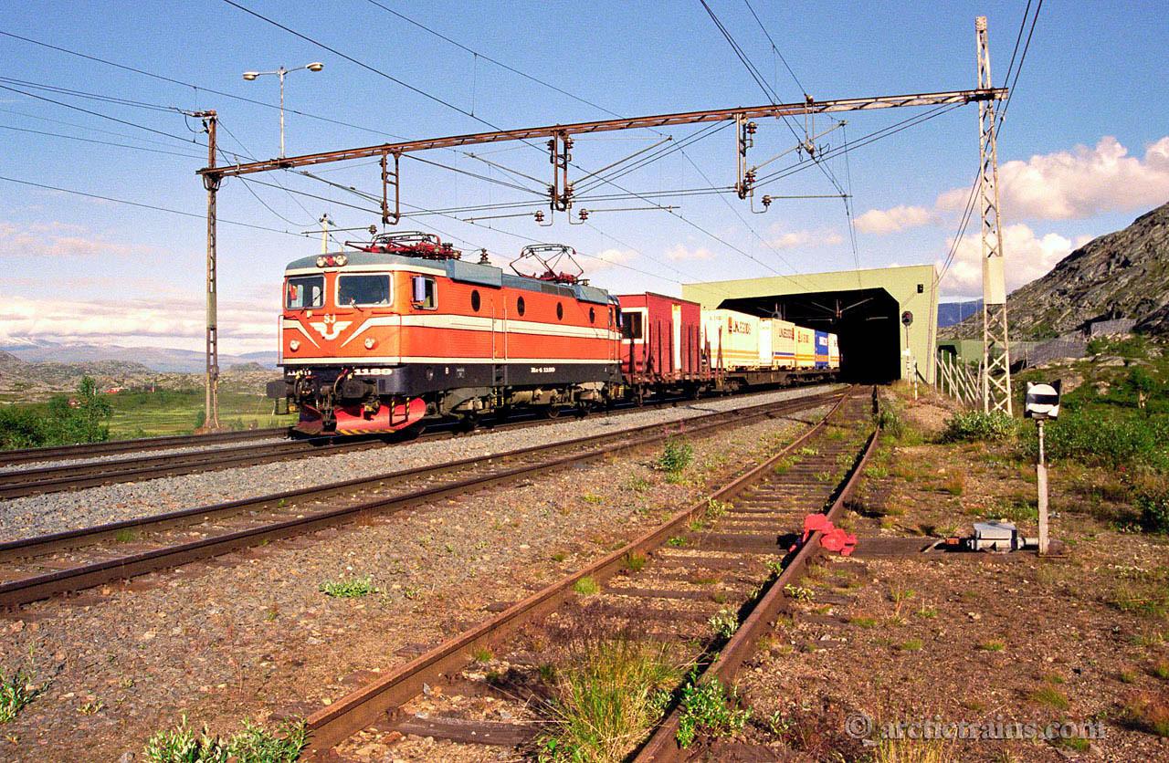 SJ Rc4 1159  Arctic Rail Express Bjoernfjell st 1999-08-15 by TS