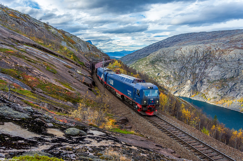 Iore 126. + Iore ? hauling empty cars towards Kiruna in service 9911 at Horisontalen, the no-gradient part of the line, high above the Rombak fjord, 2017-10-03 at 14:23. Photo: Odd Arne Loeshagen