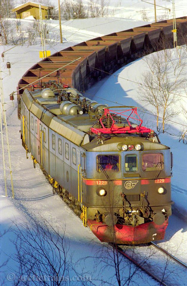 "LKAB Dm3 1229 ""Rektorn"" Uad Haugfjell hp Easter 1997 by TS"