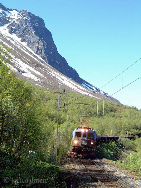 """LTAB Dm3 1201-02 """"Kuningunda"""" Straumsnes Mt. Rombakstoetta 2002-05-28 by Joern Aalmen"""