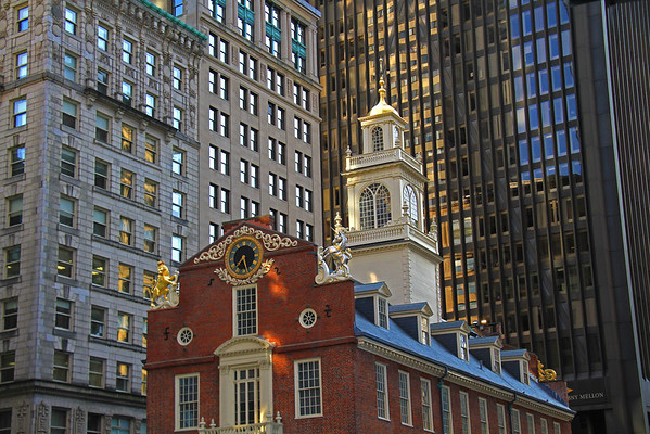 While photographing a wedding recently in Boston, I had plenty of time, from the end of the wedding, to the start of the reception, and all that had to be done in between, to stroll around Boston. The old State House in Boston. Built in 1713 and was the site of the general court until 1798.<br /> <br /> It is one of the oldest public buildings in the United States. I managed to photograph it as the late afternoon sun came down between the buildings.