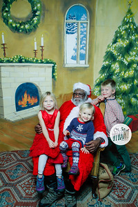 Old North Pictures with Santa 2017-040