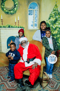Old North Pictures with Santa 2017-038