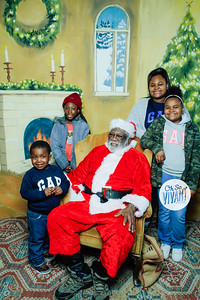 Old North Pictures with Santa 2017-036