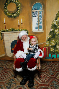 Pictures with Santa @Earthbound 12 1 2018-025