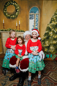 Pictures with Santa @Earthbound 12 1 2018-061