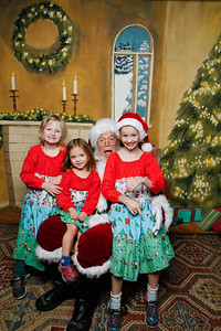Pictures with Santa @Earthbound 12 1 2018-062
