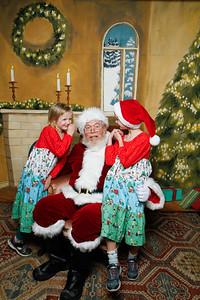 Pictures with Santa @Earthbound 12 1 2018-068
