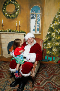Pictures with Santa @Earthbound 12 1 2018-055