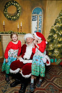 Pictures with Santa @Earthbound 12 1 2018-069
