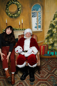 Pictures with Santa @Earthbound 12 1 2018-012