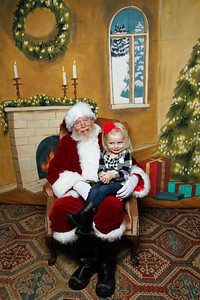 Pictures with Santa @Earthbound 12 1 2018-026