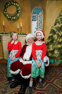 Pictures with Santa @Earthbound 12 1 2018-066