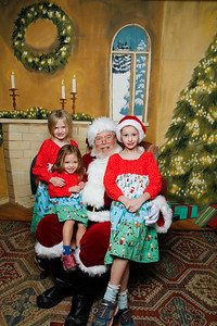 Pictures with Santa @Earthbound 12 1 2018-060