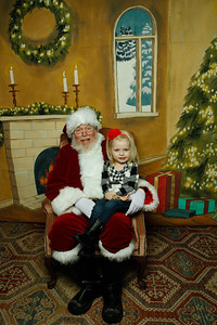Pictures with Santa @Earthbound 12 1 2018-027