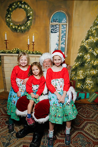 Pictures with Santa @Earthbound 12 1 2018-064