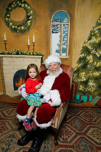 Pictures with Santa @Earthbound 12 1 2018-052