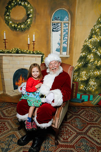 Pictures with Santa @Earthbound 12 1 2018-054