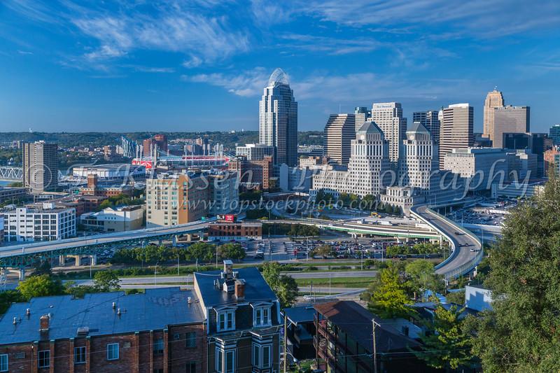 The city skyline of Cincinnati, Ohio, USA.