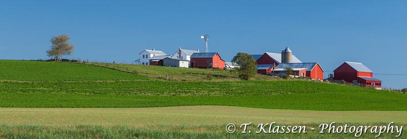 An Amish farm in the countryside near Kidron, Ohio, USA.