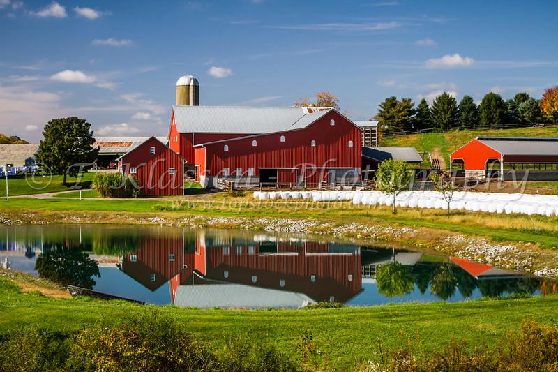 An Amish farm near Walnut Creek, Ohio, USA.