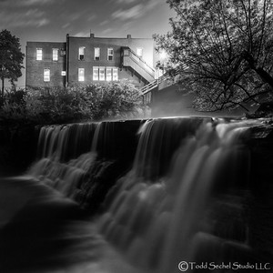 Chagrin Falls - May142015_7268 B&W