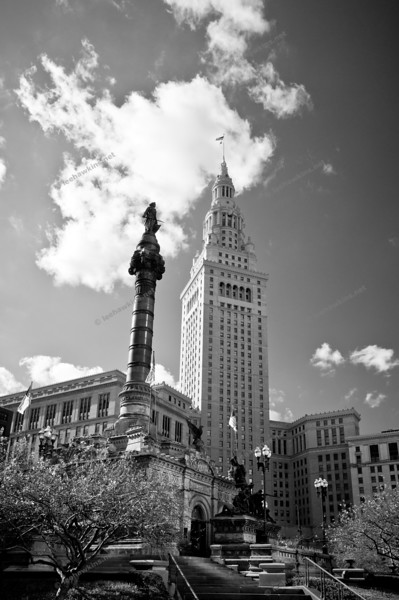"""S&S/Terminal Tower"""