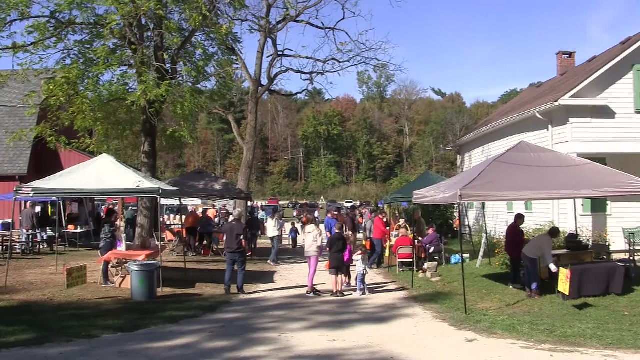 Video:  15 minutes ~~Pumpkinville ~~ Frostville Museum, North Olmsted, OH, Sat., Sept. 30, 2017