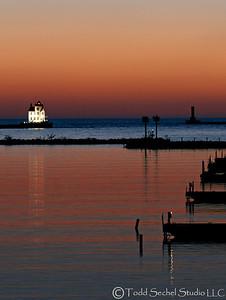 (4) Lorain Lighthouse (Post-sunset)