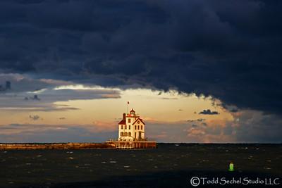 (17) Lorain Lighthouse - Lorain, Ohio