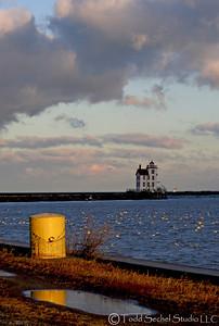 (16) Lorain Lighthouse - Lorain, Ohio