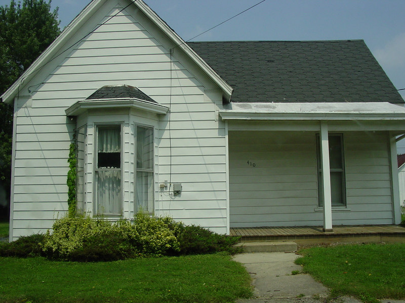410 Pearl Street, Lynchburg, Ohio.<br /> This was the Laymon home when built.