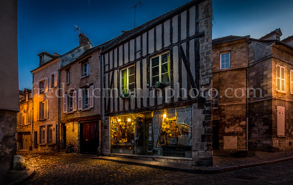 Old district of Senlis in the Oise (FRANCE)