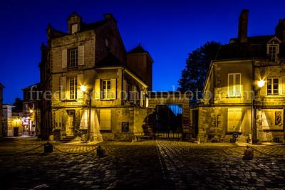 Place du Parvis de Notre Dame à Senlis