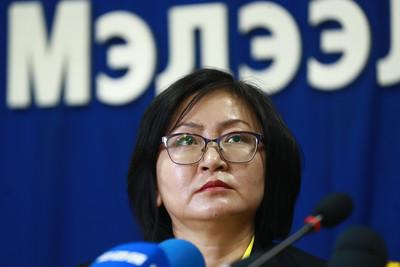 """2020 оны гуравдугаар сарын 26.  Улаанбаатар хотын Худалдааны танхим, CEO клуб, Монголын ноос ноолуурын холбооноос """"COVID-19"""" халдварын улмаас Монголын нийт аж ахуйн нэгж 1 сая орчим ажлын байраа хадгалж үлдэхэд хүндрэлтэй болж, ядуурал 50 хувьд хүрэх магадлалтай болсон талаар мэдээлэл хийлээ. ГЭРЭЛ ЗУРГИЙГ Б.БЯМБА-ОЧИР/MPA"""