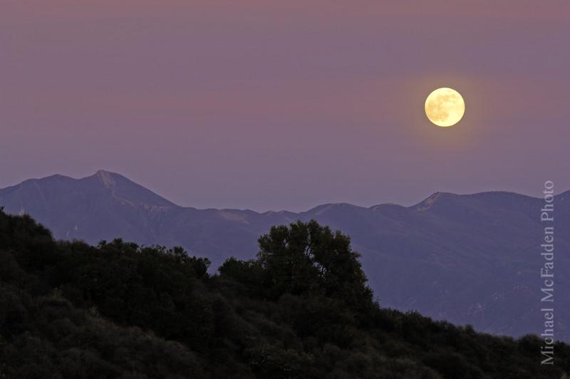 moon rise topa topa december2