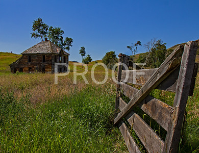 Abandoned early 1900's home Okanogan County