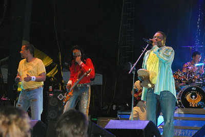 Pictures taken at the Earth, Wind and Fire concert at the Oklahoma City Zoo Amphitheater on Fri Aug 11, 2006.  Show time is 7:30pm.  Show presented by Innervisions.