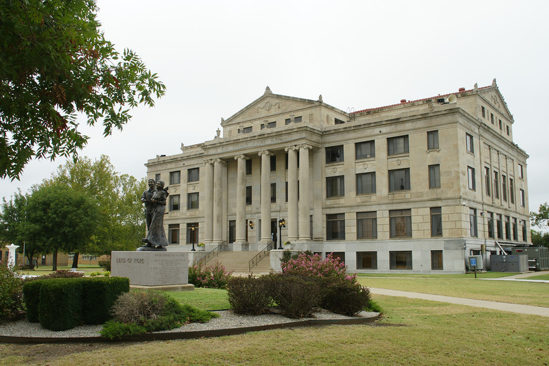 Kay County courthouse in Newkirk