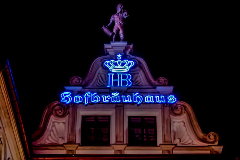 THE Hofbrauhaus...!