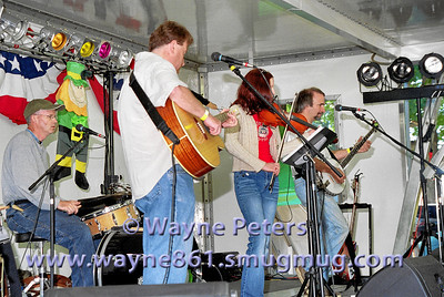 The Dustmen at the 2004 Olcott Celtic Festival