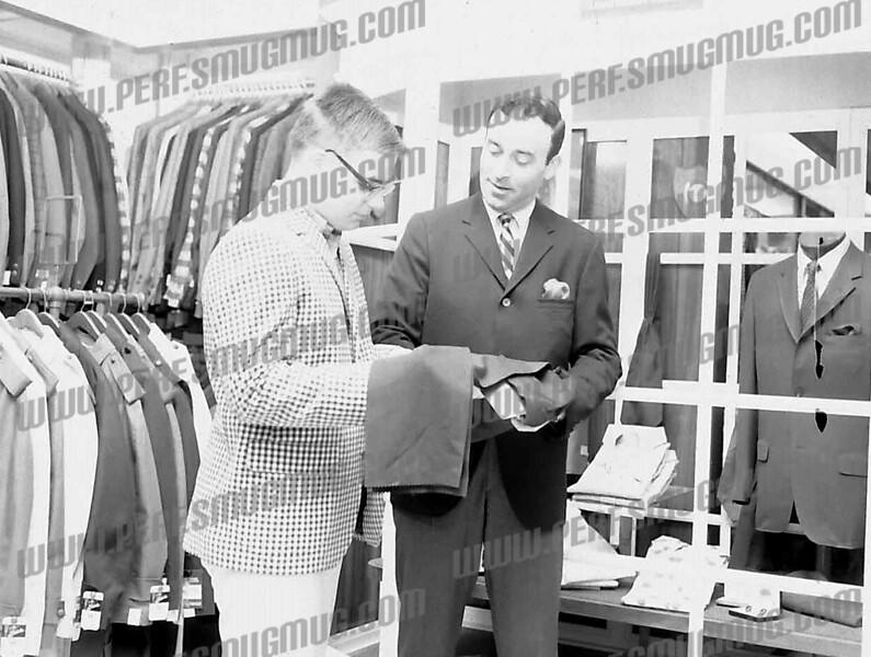Paul Guttenberg (r), owner of Mortan's