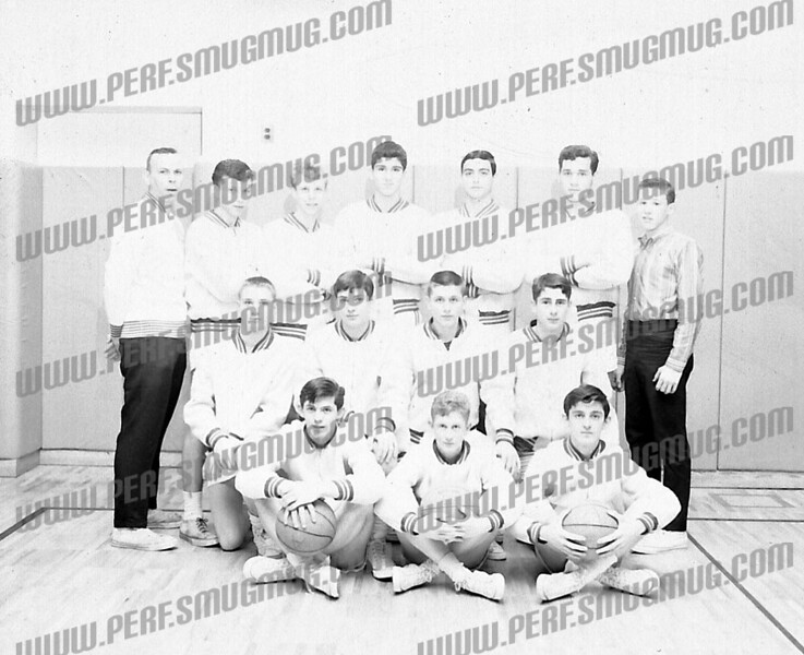 Standing on left is Cosch Dick Ruback. Most likely an AHS JV team.