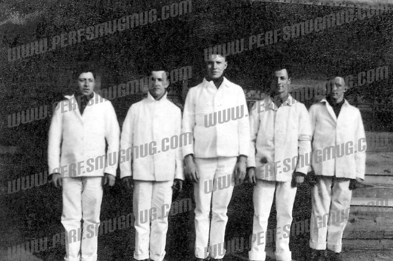 Cooks, WW1 Fred Ross on left.