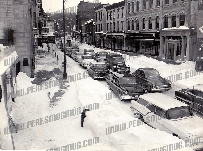 Market Street - Looking North - cars are heading south