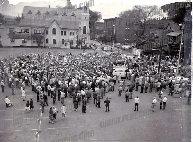 Kennedy supporters on Grove St,September 29, 1960