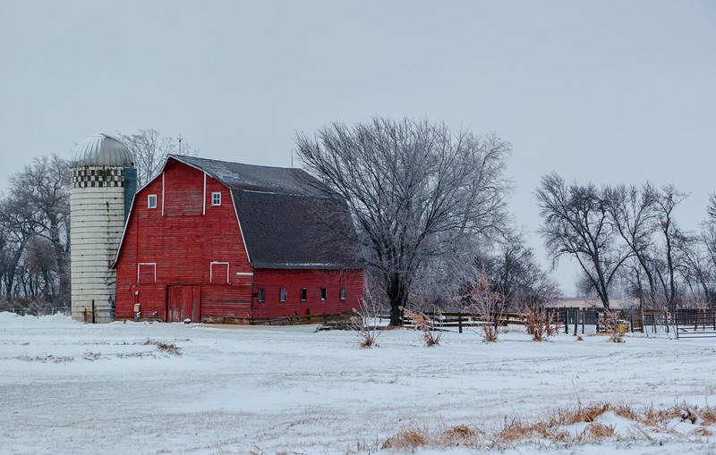 Iowa Barn & Silo Near Egan, IA
