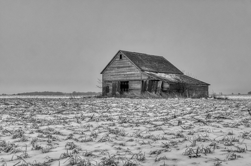 Iowa Cold & Snowy Barn